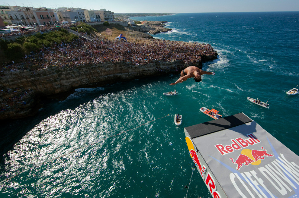 Colombia represented in diving events eyes on colombia - Red bull high dive ...