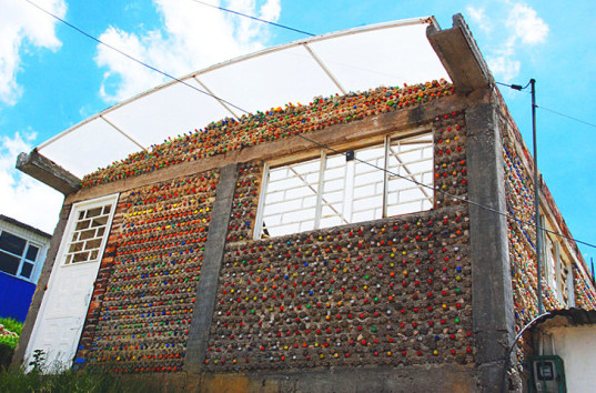 Colombia-Bottle-Community-Center-537x354
